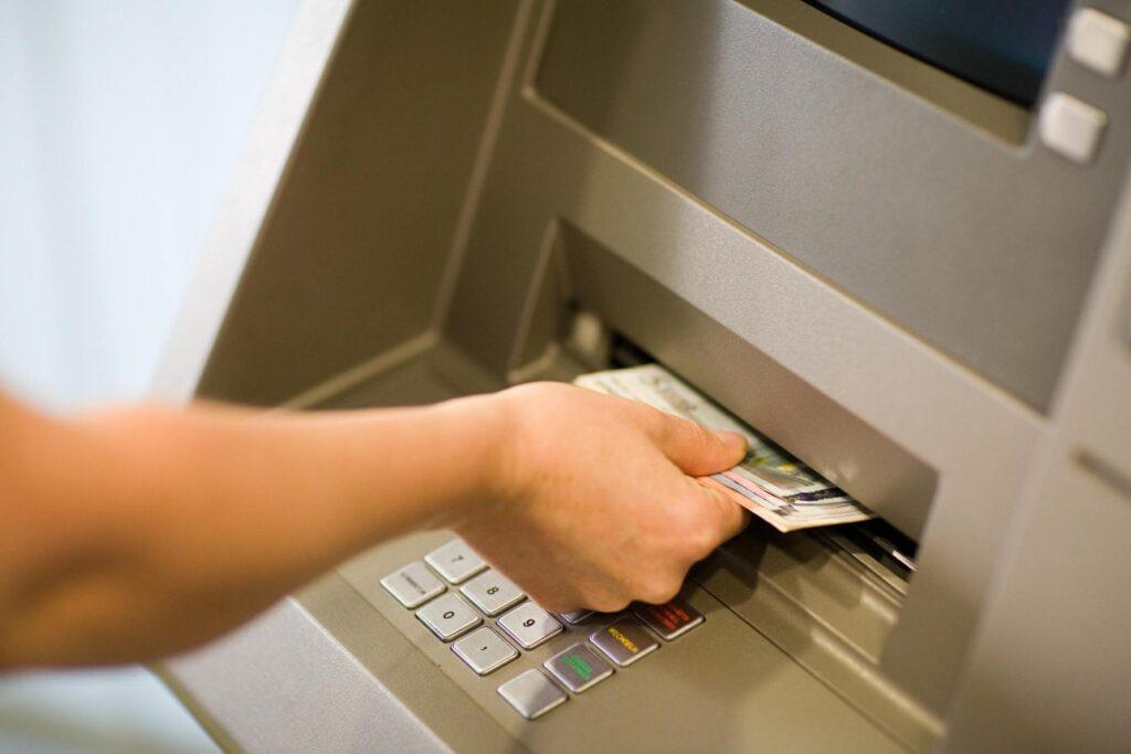 como sacar em banco digital?